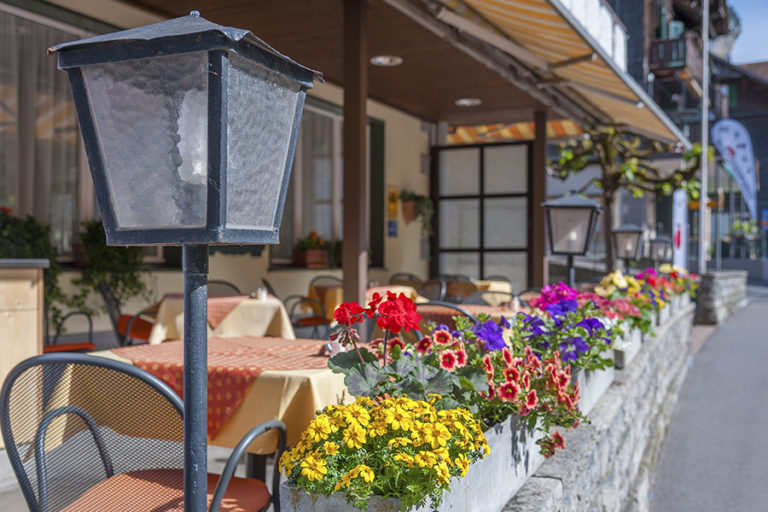 Restaurant with terrace 2 minutes from Kirchberg